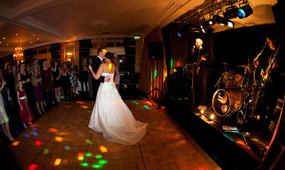 bristol wedding band moon loungers evening entertainment cricklade house